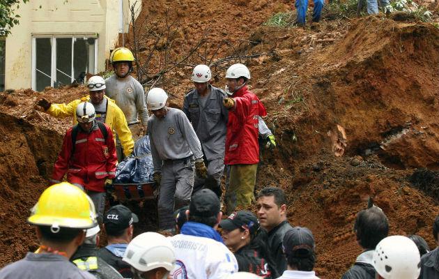 Continúan los trabajos en las zonas de un deslizamiento que dejó 9 muertos en Ecuador