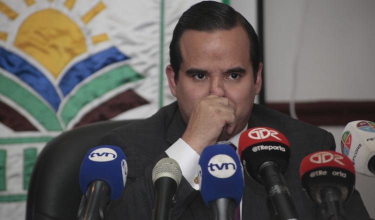 Eduardo Carles no salió del Mida sin antes firmar consultoría para finiquitar contrato de sistema de riego