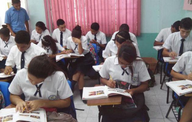 Estudiantes del Instituto Fermín Naudeau son capacitados a nivel local, otro de los componentes del programa Panamá Bilingüe. Cortesía