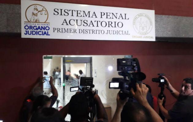 Extraen sangre a ocho sospechosos en caso que se menciona al padre David Cosca