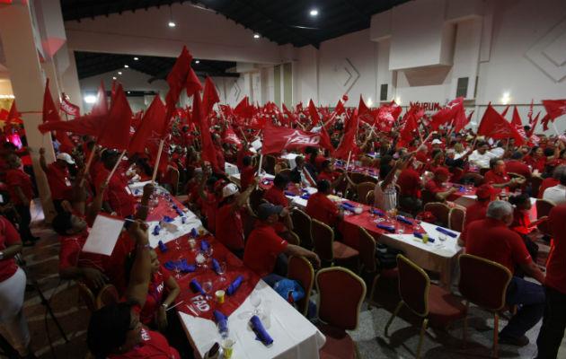 Miembros del partido FAD.