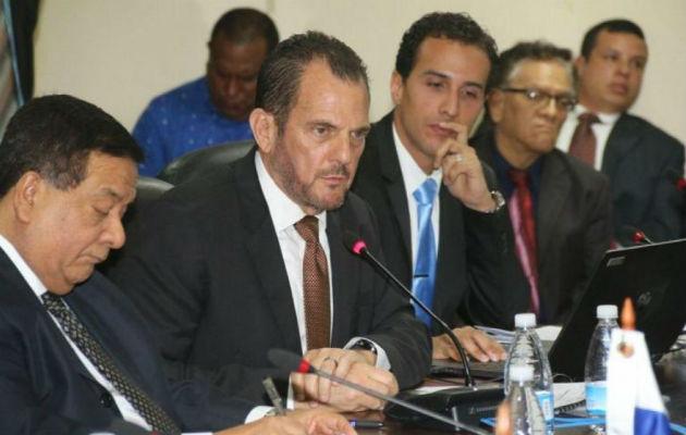 ¡Escándalo; $100 millones en planillas de presidencia y ministerios y contrato para empresa familiar de Federico Humebrt!