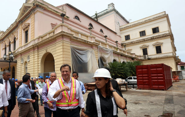 Juan Carlos Varela prepara 'Rumba de fin de Gobierno' en el Teatro Nacional