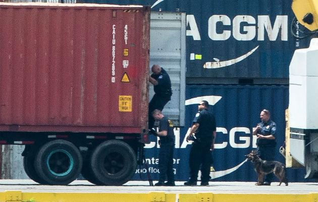 Estados Unidos decomisa uno de los mayores cargamentos de droga en un barco que pasó por Panamá