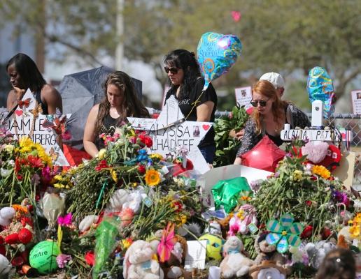 Sobreviviente de una masacre en una escuela secundaria de Florida se suicida
