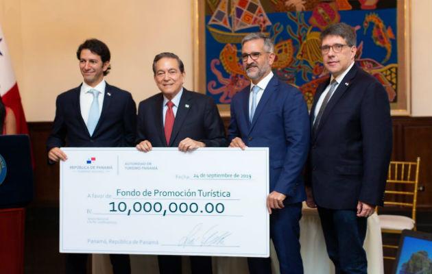 Gobierno entrega 10 millones de dólares al Fondo de Promoción Turística