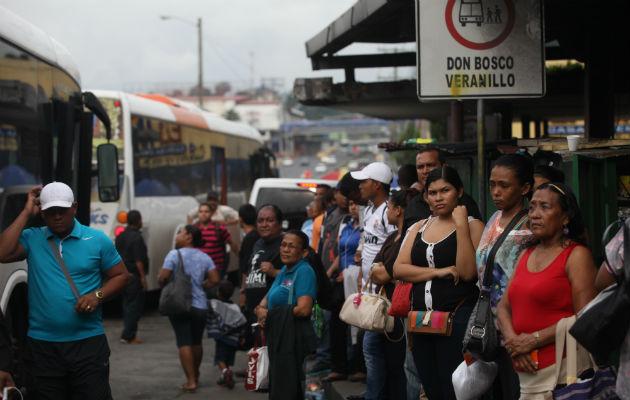Gobierno facilita el regreso de los buses 'diablos rojos'