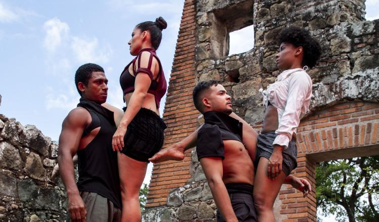 Danza en honor a los 500 años de la ciudad de Panamá