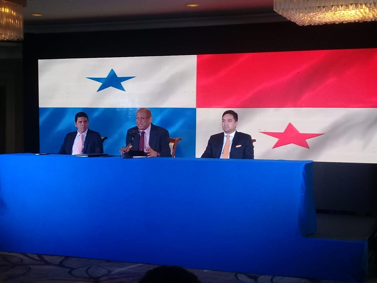 Héctor Alexander: Preocupa estado de las finanzas que deja Juan Carlos Varela