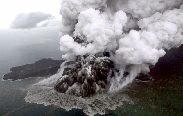 El distrito más afectado por el envite de las olas es el de Pandeglang, en la parte javanesa, donde 207 personas perdieron la vida, 755 resultaron heridas, siete han desaparecido y 11.453 se encuentran de.splazadas