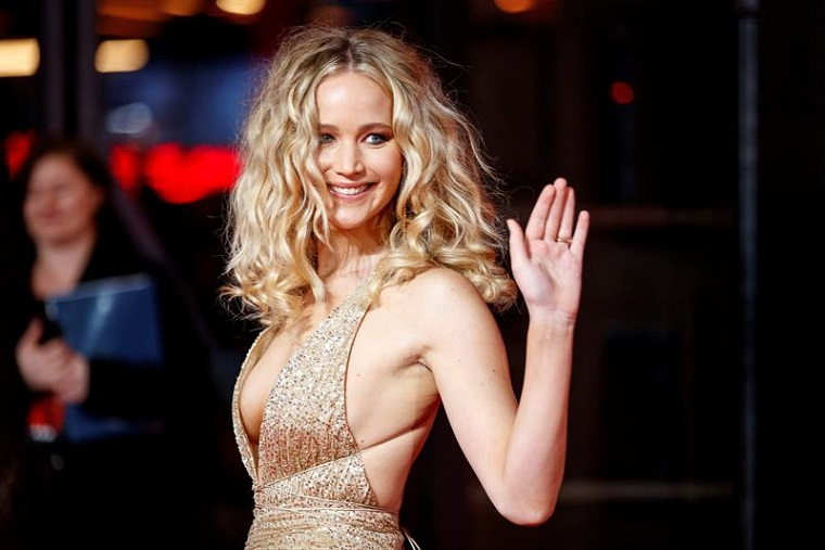 Jennifer Lawrence y Cooke Maroney van camino al altar