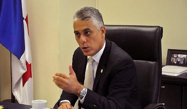 Jorge González, confiado en permanecer en la Autoridad del Canal de Panamá