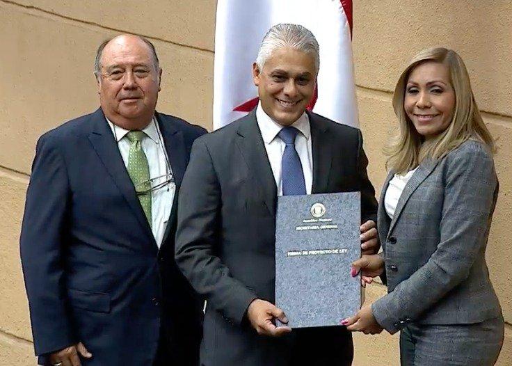 Asamblea Nacional ratifica a Jorge González como director de la Autoridad del Canal de Panamá