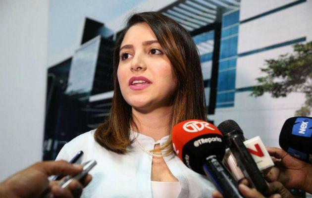 Intolerancia, diputada Katleen Levy bloquea a Gaby Gnazzo por llamarla corrupta