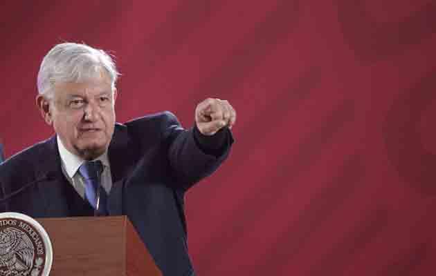 Expresidente Felipe Calderón le exige a López Obrador recursos para su protección