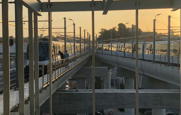 El suburbano tiene en funcionamiento 26 trenes, con intervalos de 2 minutos y medio