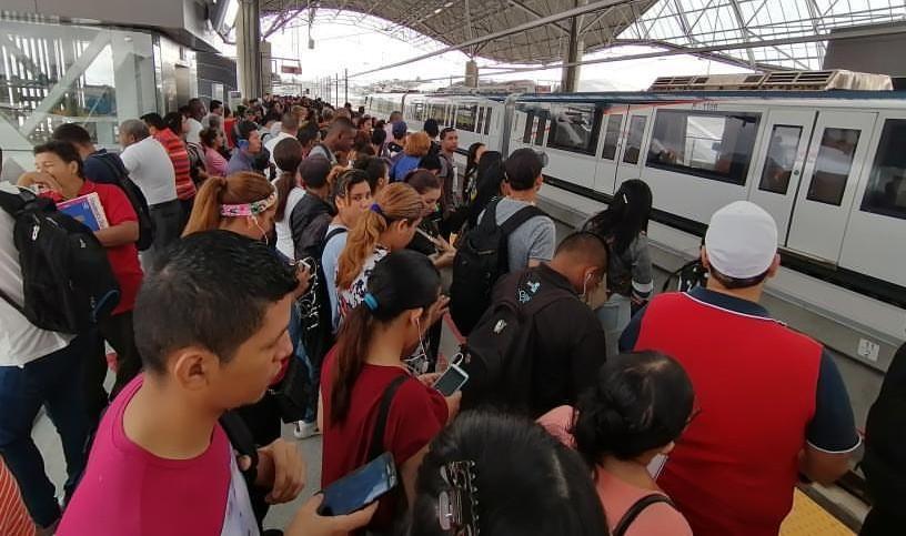 Llueven críticas en contra del Metro de Panamá por la suspensión del servicio en la Línea 1
