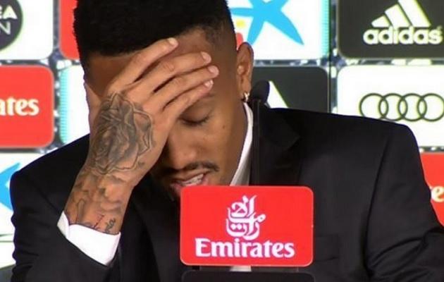 Militao se marea durante su presentación con el Real Madrid