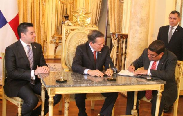 Carlos Aguilar asume el cargo de ministro de Cultura