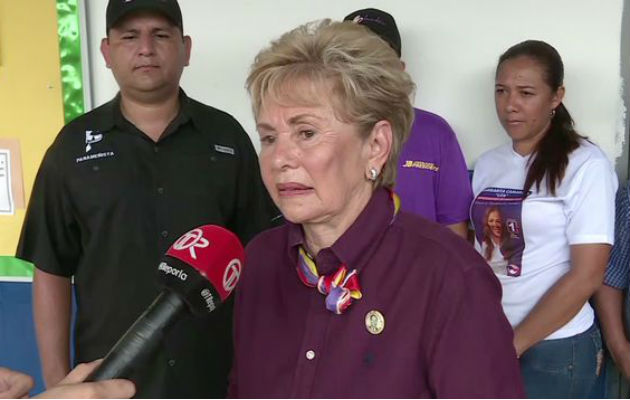Mireya Moscoso aconseja al futuro candidato panameñista, a tener en cuenta que el presidente debe ser humilde