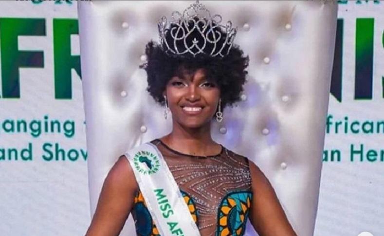 Cabello de Miss África se incendia durante el evento de coronación