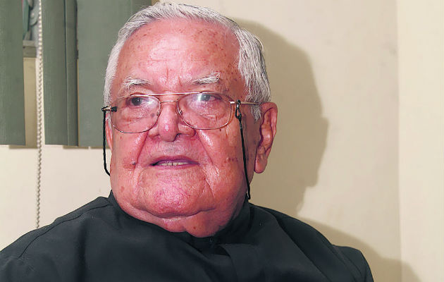 A los 90 años de edad muere monseñor Alejandro Vásquez Pinto