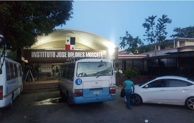 Paro se mantiene en el Instituto José Dolores Moscote pese a visita de la ministra de Educación