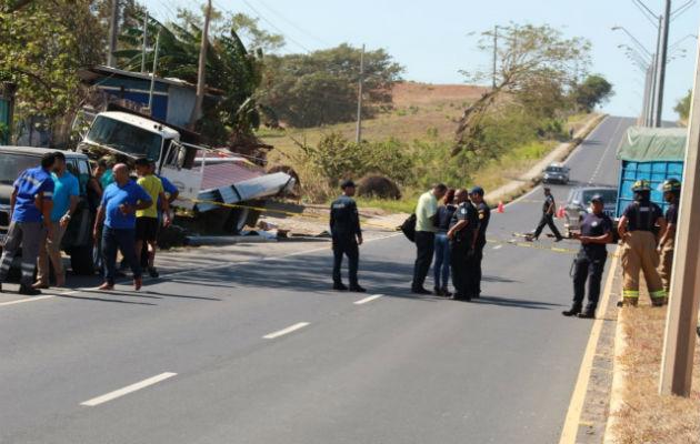 Un muerto y heridos deja colisión múltiple cerca a entrada del Club de Golf de Chitré