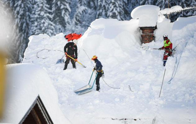 Gran parte de Europa paralizada por fuertes nevadas con saldo de cuatro muertos