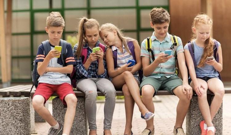 Influencia del celular en la conducta escolar