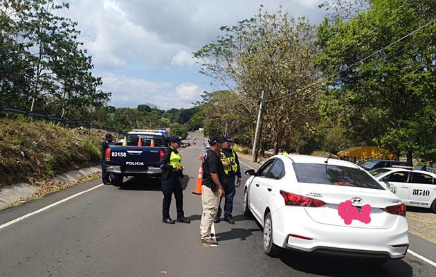 Cuatro encapuchados roban a mano armada en una residencia en Boquerón