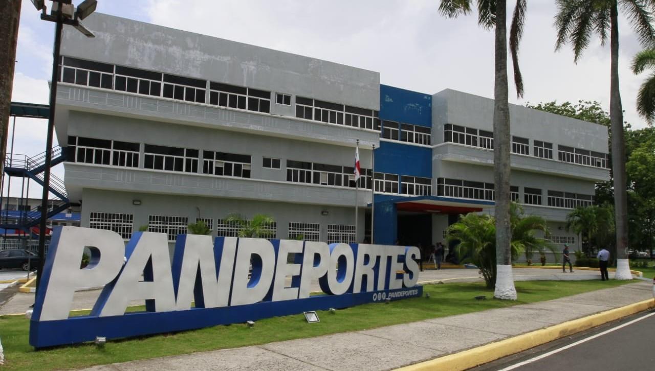 Dictan medida de reporte periódico a dos comerciantes por el caso Pandeportes