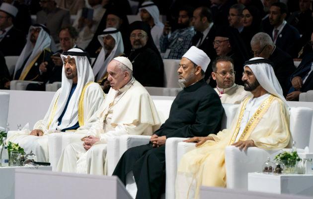 El Papa llama a crear un futuro juntos en la cuna del islam