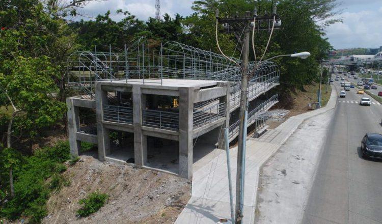 Puente peatonal de la UTP presenta un 83% de avance