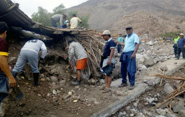 Lluvias y deslizamientos golpean a las regiones del sur de Perú, cinco muertos