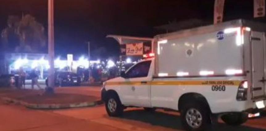 Madrugada de tiroteos en restaurante de Plaza Centennial deja dos muertos y un herido