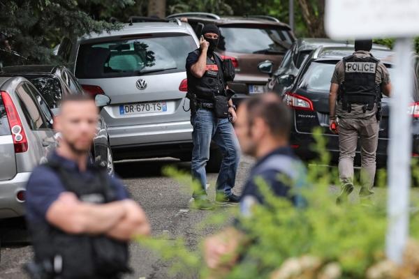 Tres personas fueron detenidas en relación a una explosión en la ciudad de Lyon