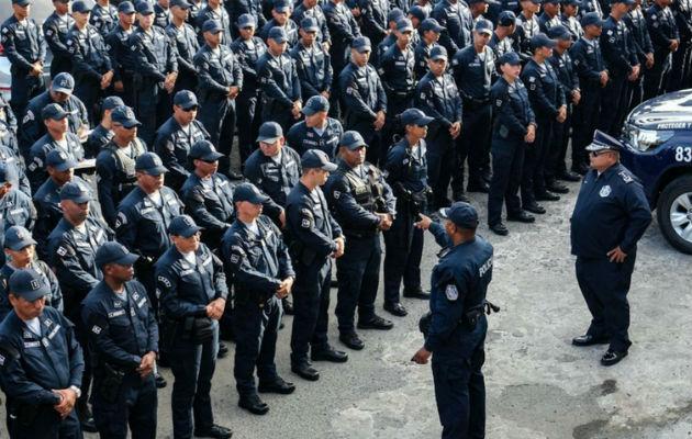 Denuncian irregularidades tras ascensos y jubilaciones meteóricas en la Policía Nacional. Foto: Panamá América.