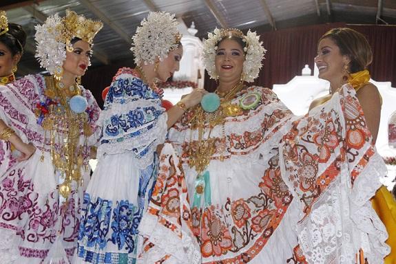 Polleras que fueron premiadas en el Festival Nacional de la Pollera