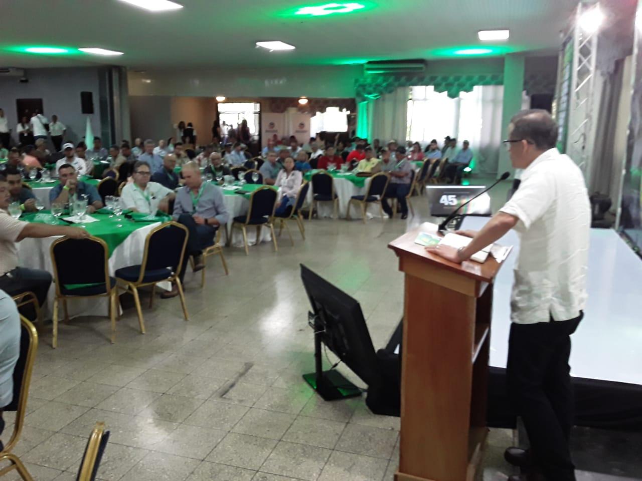 Un llamado a la unidad hizo el viceministro de Desarrollo Agropecuario, Carlo Rognoni a los productores.