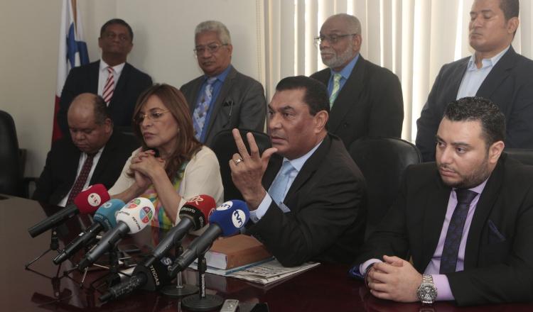 Querellantes presentarán dos recursos contra decisión de tribunal de juicio en caso de Ricardo Martinelli