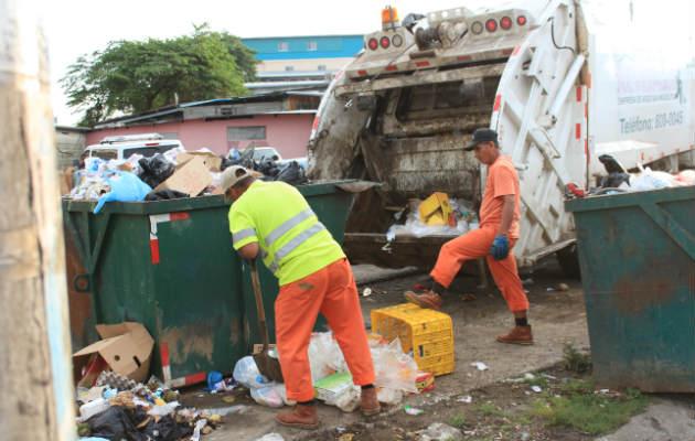 Se inicia consulta, en la Asamblea, sobre propuesta para ordenar recolección de basura en el país