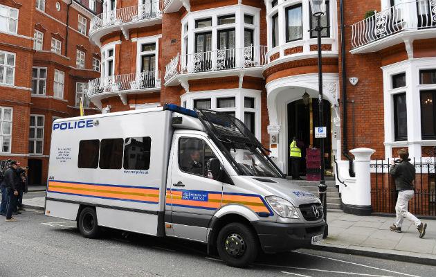 Arrestan en Londres a Julian Assange, el fundador de WikiLeaks
