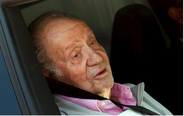 El rey Juan Carlos de España recibe el alta hospitalaria
