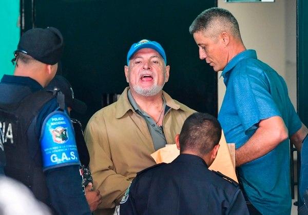 Pruebas contra Ricardo Martinelli en caso pinchazos fueron sacadas de un tinaco, Roniel Ortíz