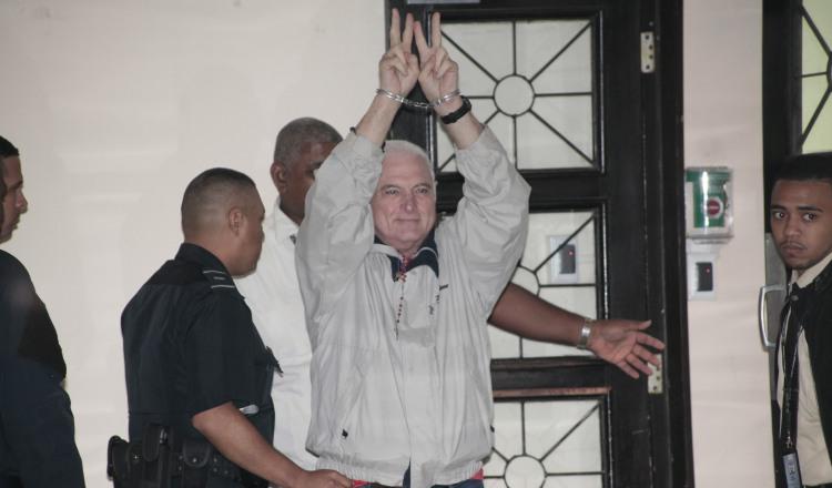 Ricardo Martinelli en 'limbo jurídico' por presión de Juan Carlos Varela