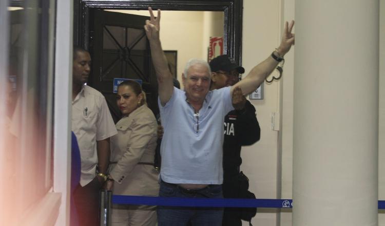 Ricardo Martinelli puede asumir resto del proceso en libertad