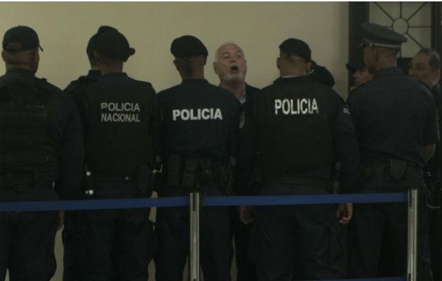 Ricardo Martinelli acusa a Juan Carlos Varela de mantenerlo detenido