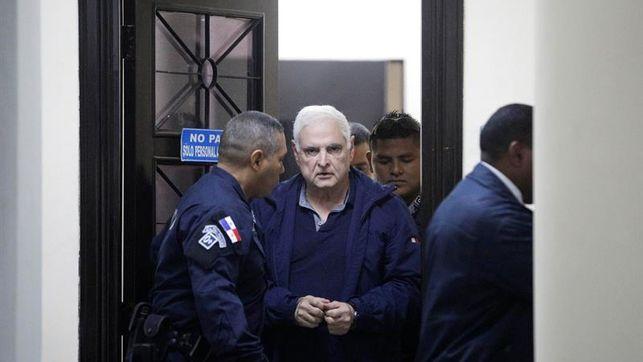Reinicia juicio oral al expresidente Ricardo Martinelli en medio de violaciones a sus derechos