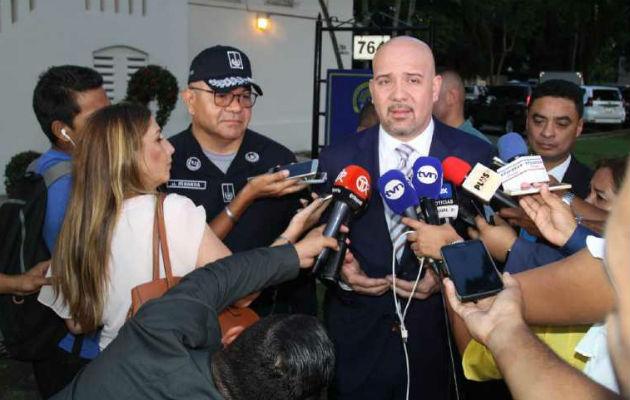 Rolando Mirones: 'A los policías los condenan rápido, pero a los maleantes le dan calle'